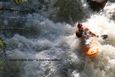 Edith_Cavell_2_kayaks_en_eau_vive_24-05-2015_02-50-02.JPG