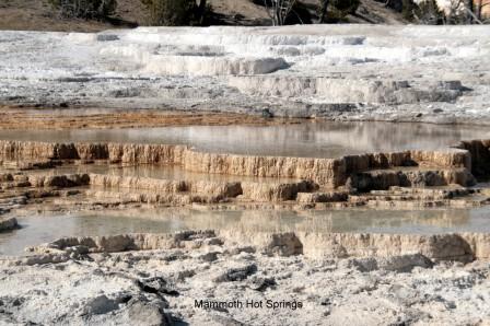 Mammoth_Hot_Springs_Terraces_27-09-2015_13-46-18.JPG