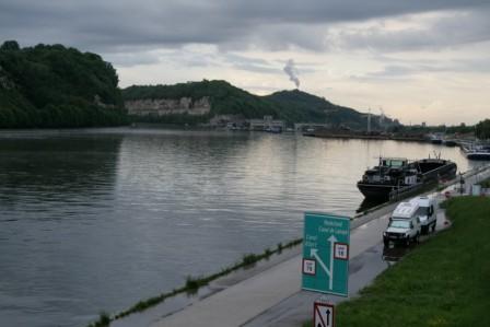 Maastricht bivouac au bord de la Meuse