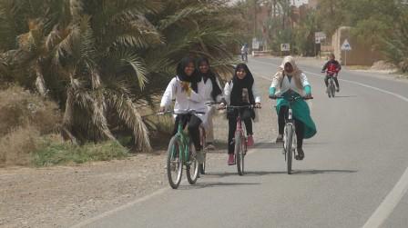 Enfants à vélo 5/04 12h37 1178.